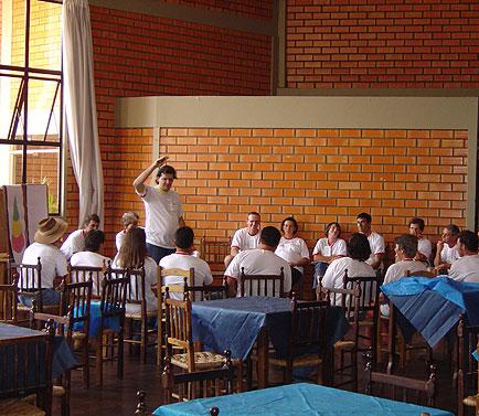 Paulo Balla (em pé) Técnico da Vitagri, Dia de Granja Frango Seva, Dia de Granja Frango Seva