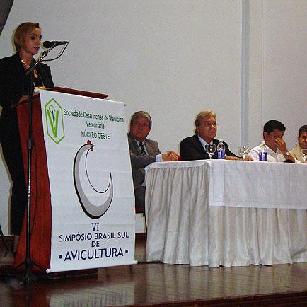 Dr Nelva Grando faz abertura do Congresso, VI Seminário Brasil Sul 2005, VI Seminário Brasil Sul 2005