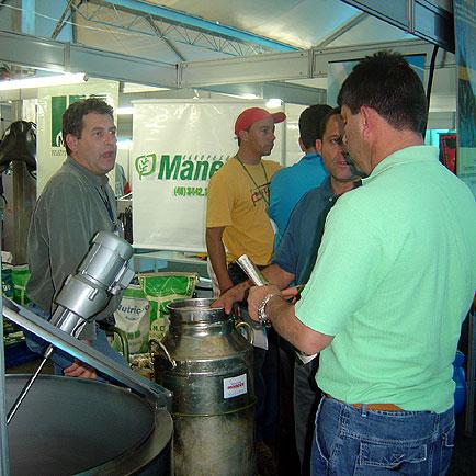 Estande Agropecuária Maneco, SuiLeite, SuiLeite