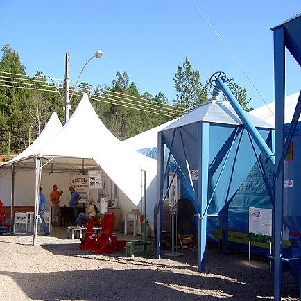 Exposição dos equipamentos dos estandes, SuiLeite, SuiLeite