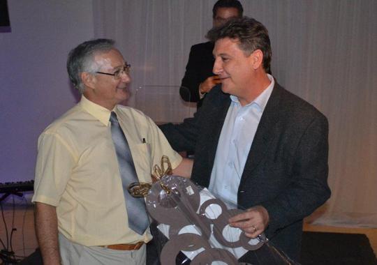 Diretor de Vendas da Uniquímica, Marcos Banov, foi homenageado no jantar APA 2011, ,
