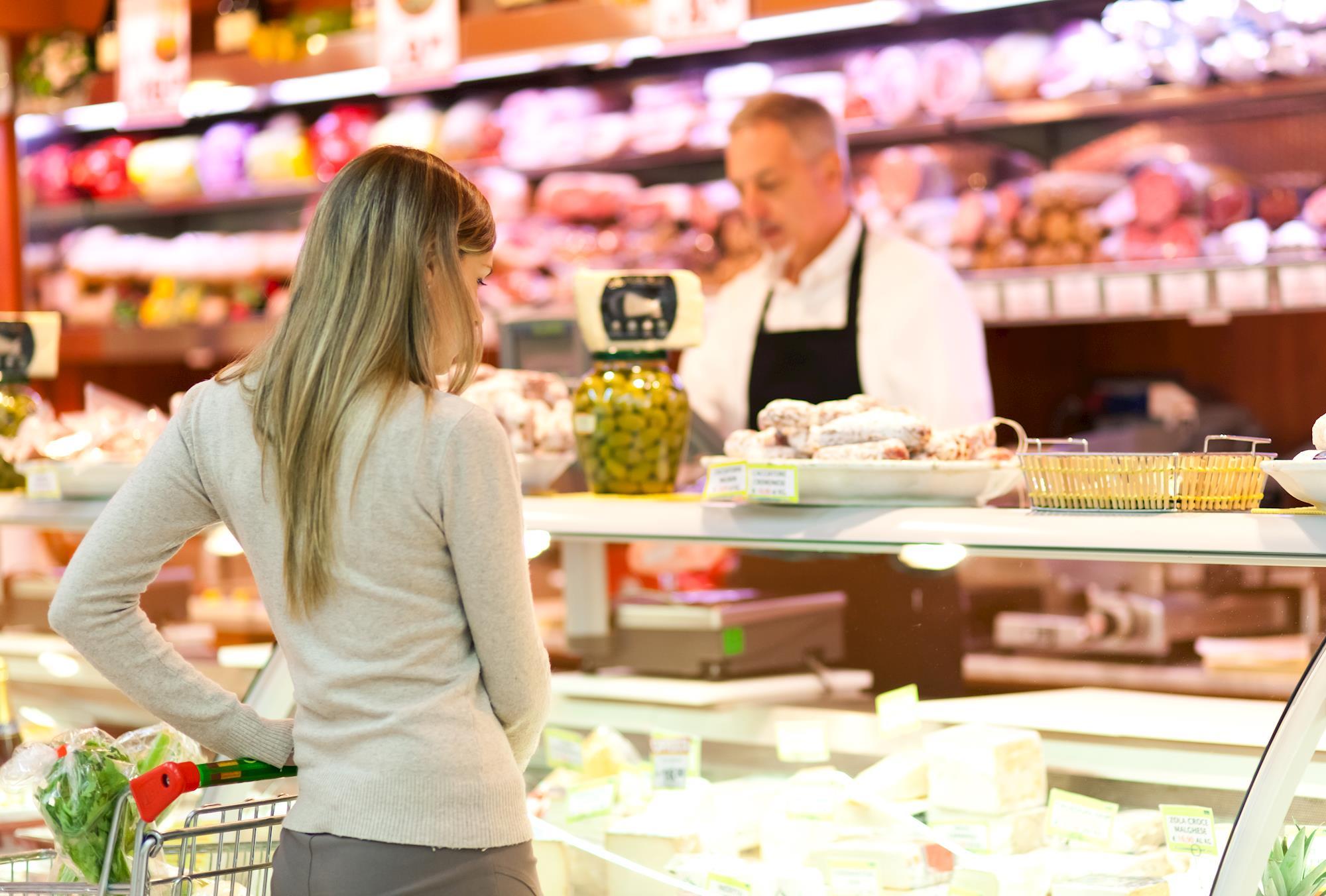 Estudo detecta superbactérias em carne de frango industrializada