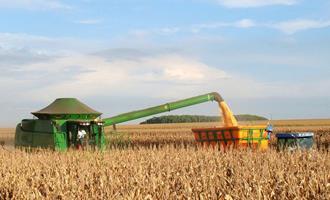 Com disponibilidade de terras, água e tecnologia, produção de grãos segue em crescimento na América Latina