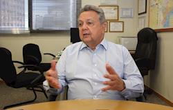 Árabes podem ser distribuidores de alimentos do Brasil, afirma Roberto Rodrigues