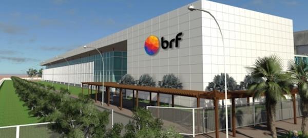 BRF 'se desfaz' da maior empresa de carnes argentina e passa fábrica no Brasil para concorrente