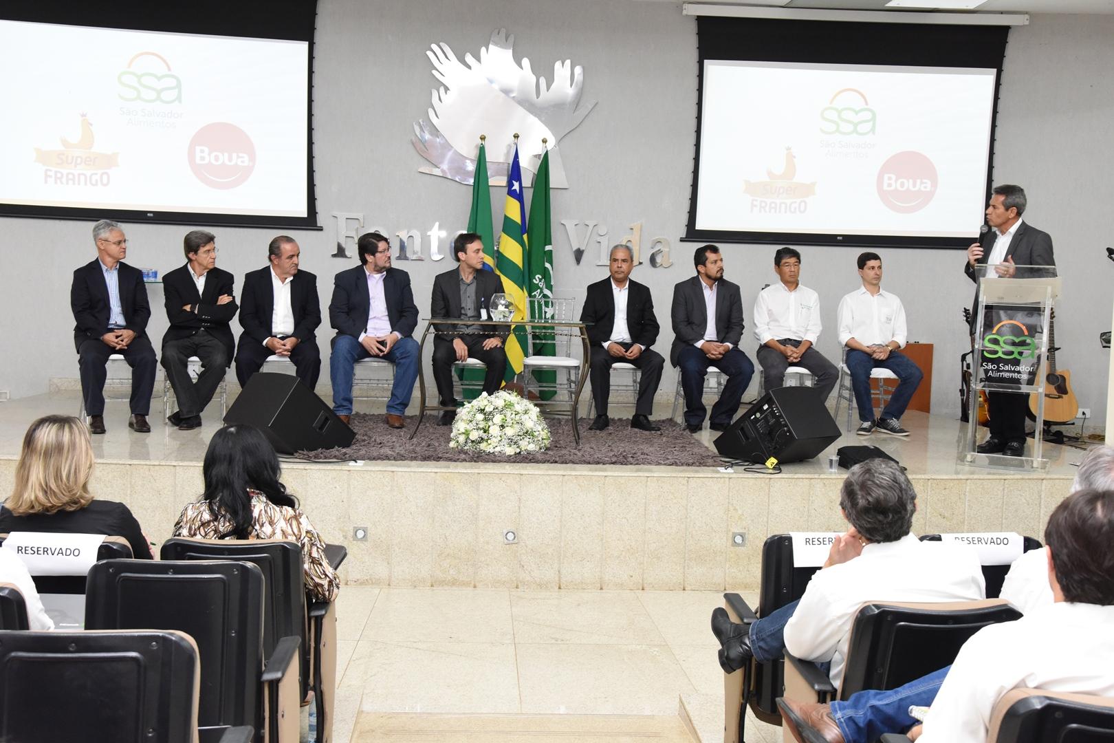 Empresas de genética estudam implantar compartimentação avícola em Goiás
