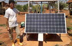 Agricultores usam energia solar como solução para captação de água durante seca