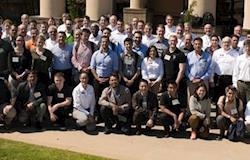 Genética avícola reúne participantes de 24 países na  Escola Técnica Mundial