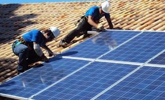 Energia solar em casa permite economia anual de R$ 12 mil na conta de luz