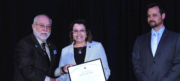 Irenilza de Alencar Nääs recebe prêmio americano Fellow ASABE