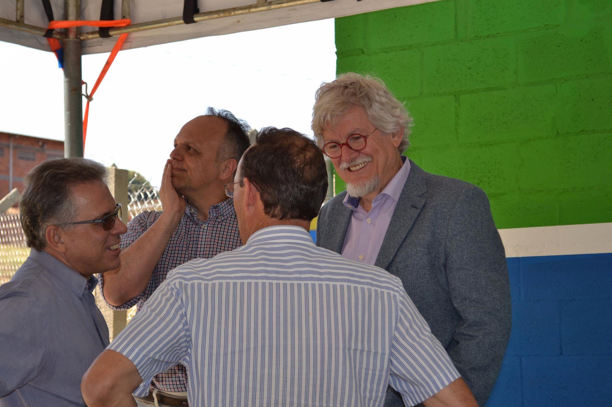 Centro experimental de pesquisas em nutrição de suínos é inaugurado em Londrina, Centro experimental de pesquisas em nutrição de suínos é inaugurado em Londrina