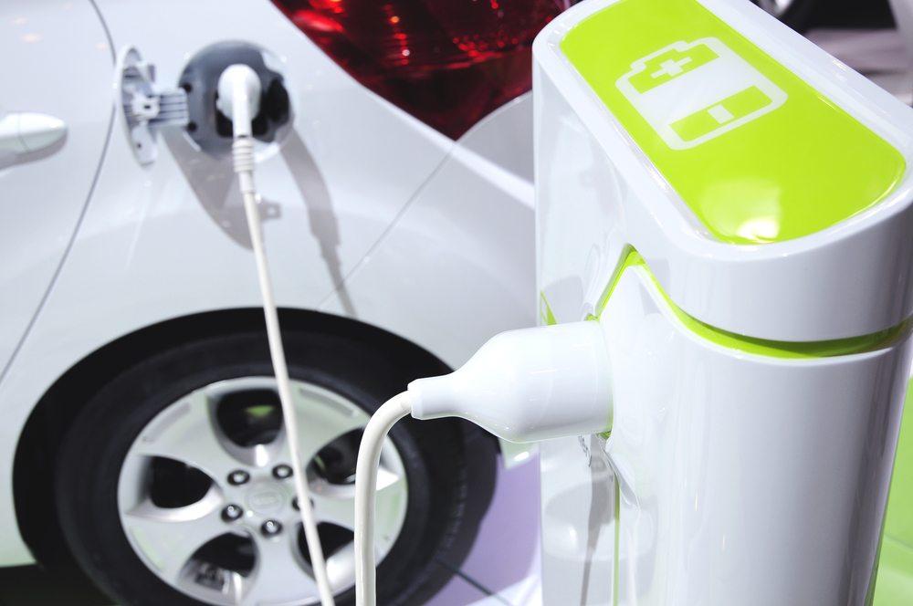 Brasil deve integrar etanol à indústria de carros elétricos, diz estudo