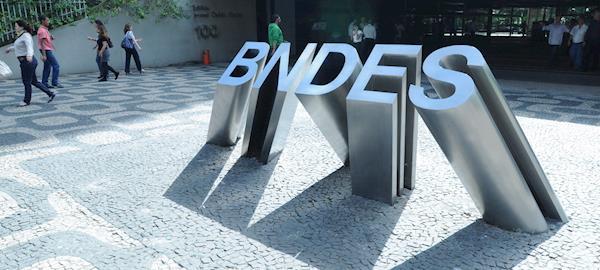 'Investimento na JBS foi muito bem sucedido', diz presidente do BNDES