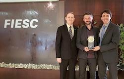 Abatedouro móvel da Embrapa vence Prêmio de inovação catarinense