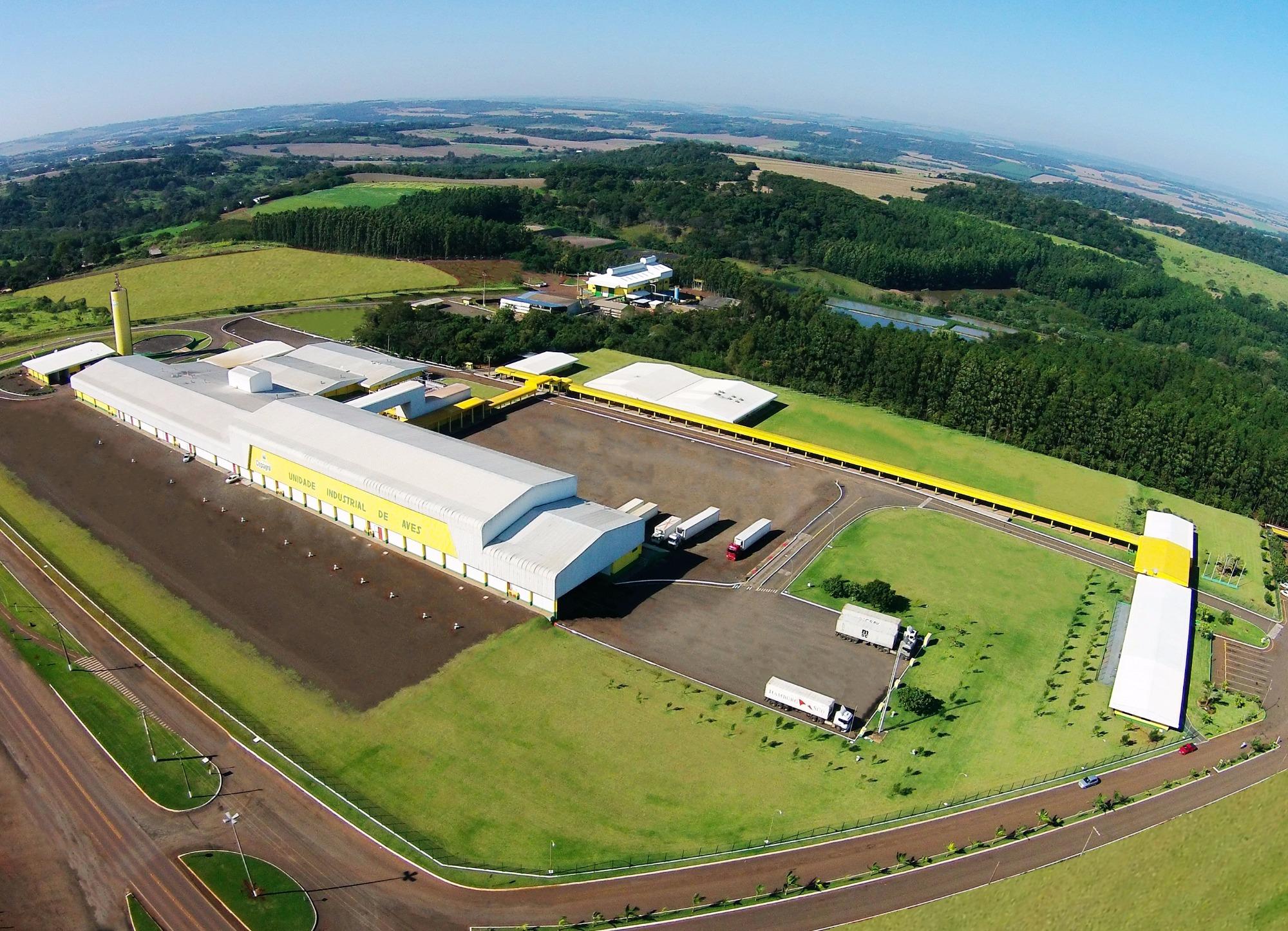 Cooperativa renova certificação internacional de planta frigorífica de aves