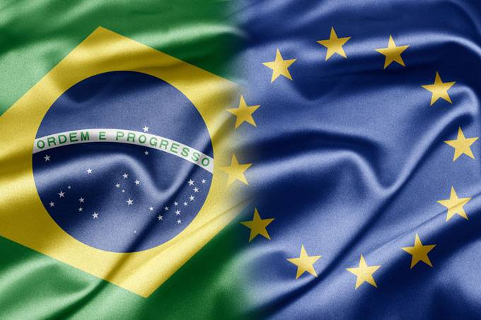 brasil europeans The only item of value they discovered was the pau do brasil (brazil wood tree) from which they created red dye unlike the colonizing philosophy of the spanish, the portuguese in brazil were much less focused at first on conquering, controlling, and developing the country.