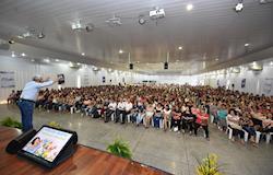 C.Vale reúne 1.500 mulheres em seminário
