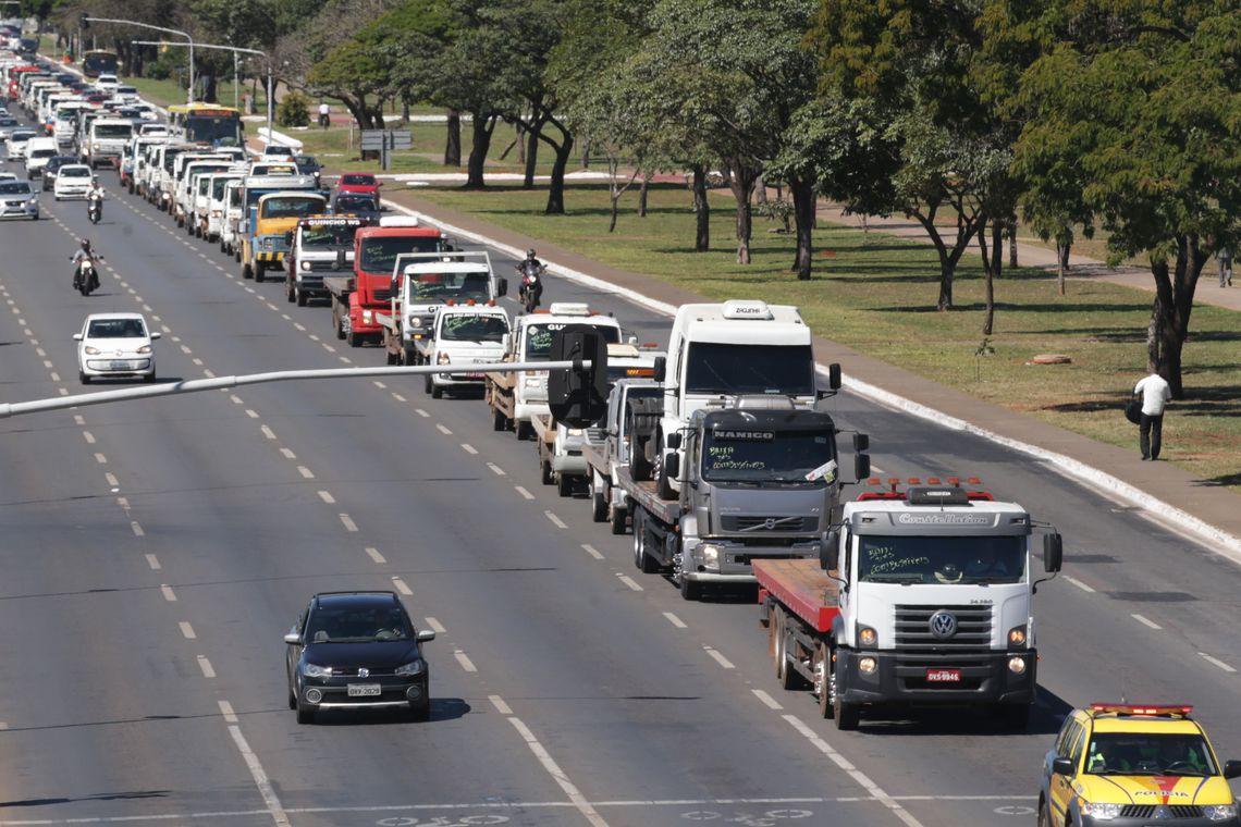 Greve dos caminhoneiros: 1 ano depois - Por José Zeferino
