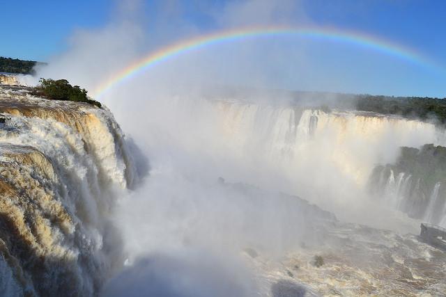 Foz do Iguaçu implanta protocolos de segurança para retomada do turismo e eventos em julho
