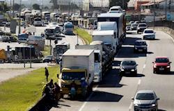 Fluxo de veículos pesados em estradas tem aumento de 47%