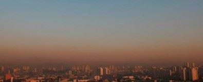 Caminhões e ônibus respondem por metade da poluição do ar