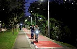 Curitiba inicia testes de piso gerador de energia