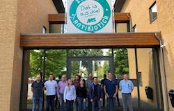 Equipes da Capal, Castrolanda e Frísia visitam sede da MS Schippers na Holanda