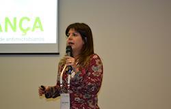 É preciso conscientização sobre o uso de Antimicrobianos, diz Sheila Guebara