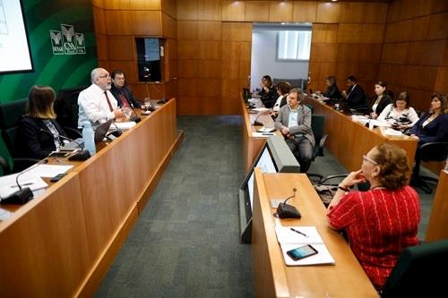 CNA debate normas técnicas da avicultura
