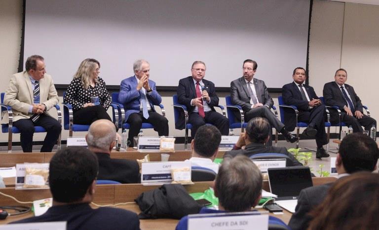 Blairo Maggi defende recursos adicionais ao orçamento da Embrapa