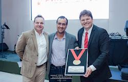 Clientes da Cobb-Vantress recebem premiação por  Melhores Lotes na região de Goiás