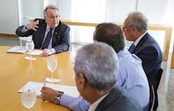 CNA e representantes da indústria discutem remuneração de produtores de aves e suínos