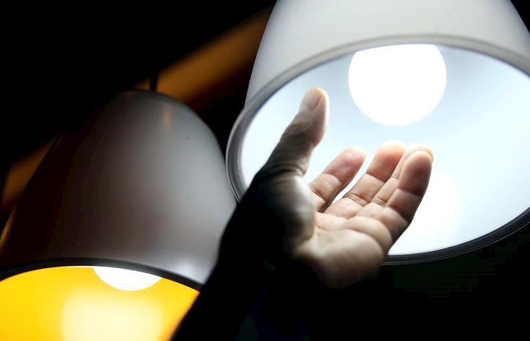 Consumo de energia elétrica deve crescer 7% em fevereiro