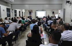 Encontro reúne suinocultores, estudantes e profissionais do setor na sede da Assuvap