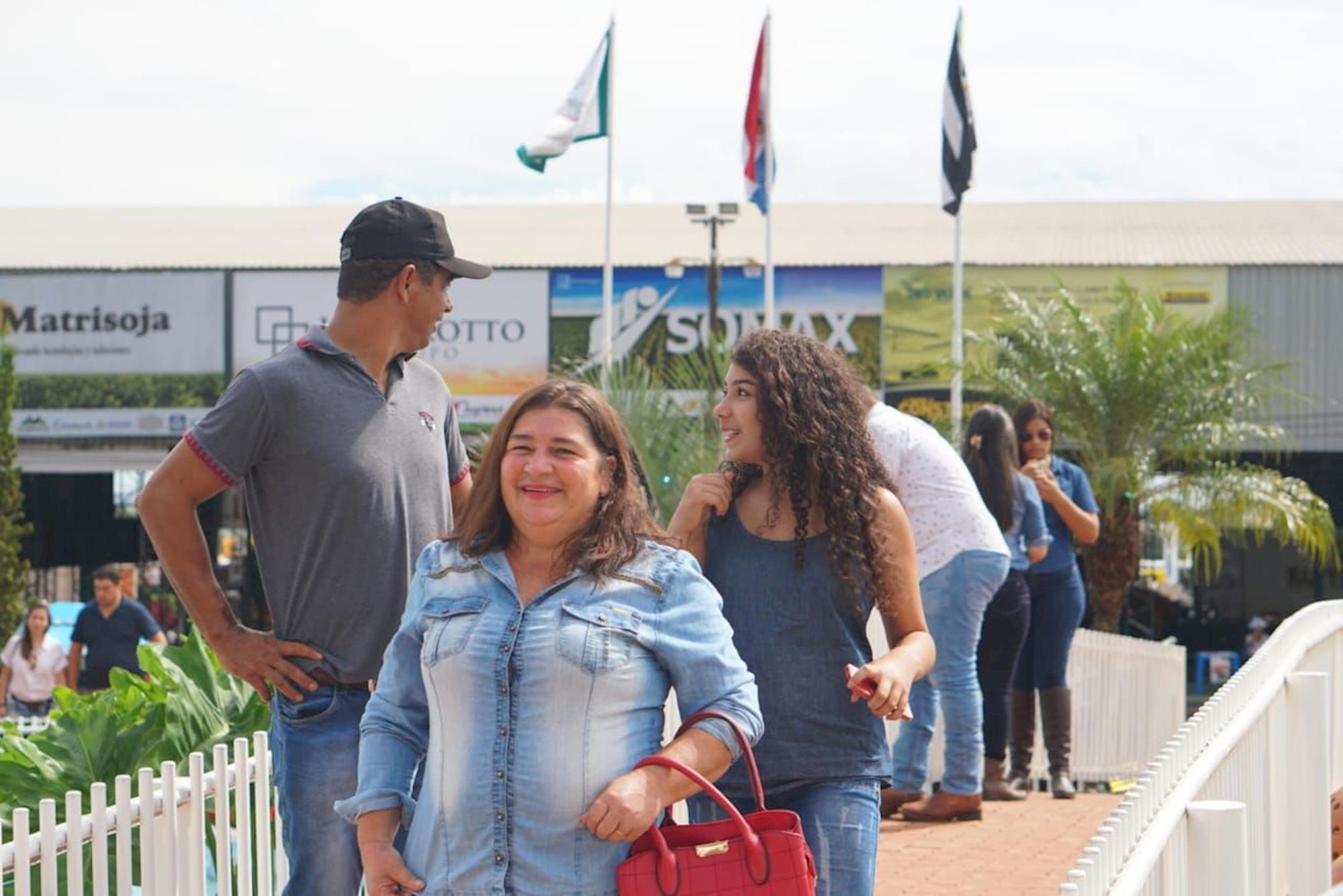 Equipe Gessulli apresenta novidades sobre a AveSui EuroTier na Expo Santa Rita no Paraguai, Equipe Gessulli apresenta novidades sobre a AveSui EuroTier na Expo Santa Rita no Paraguai