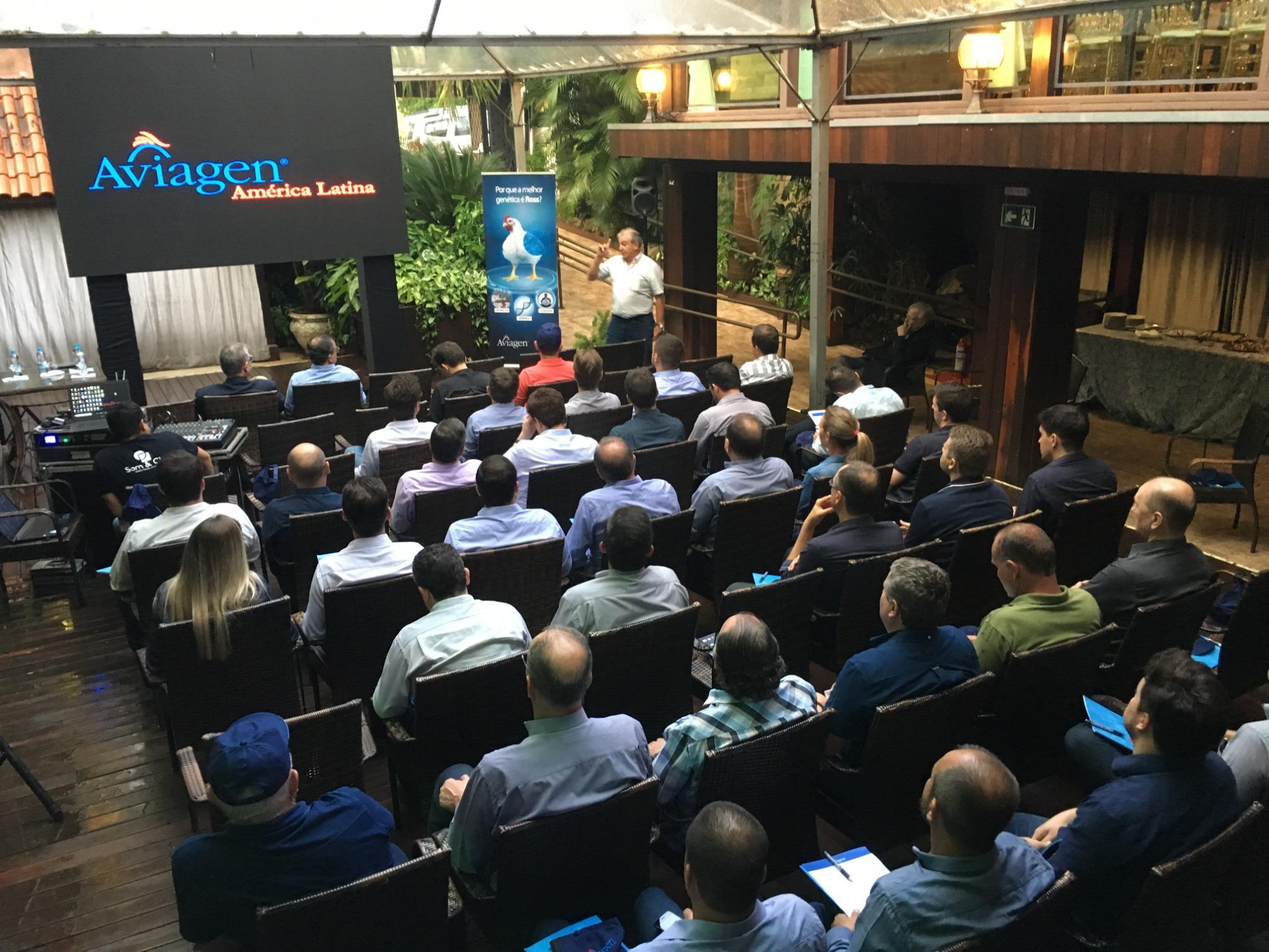Aviagen promove evento em Cascavel