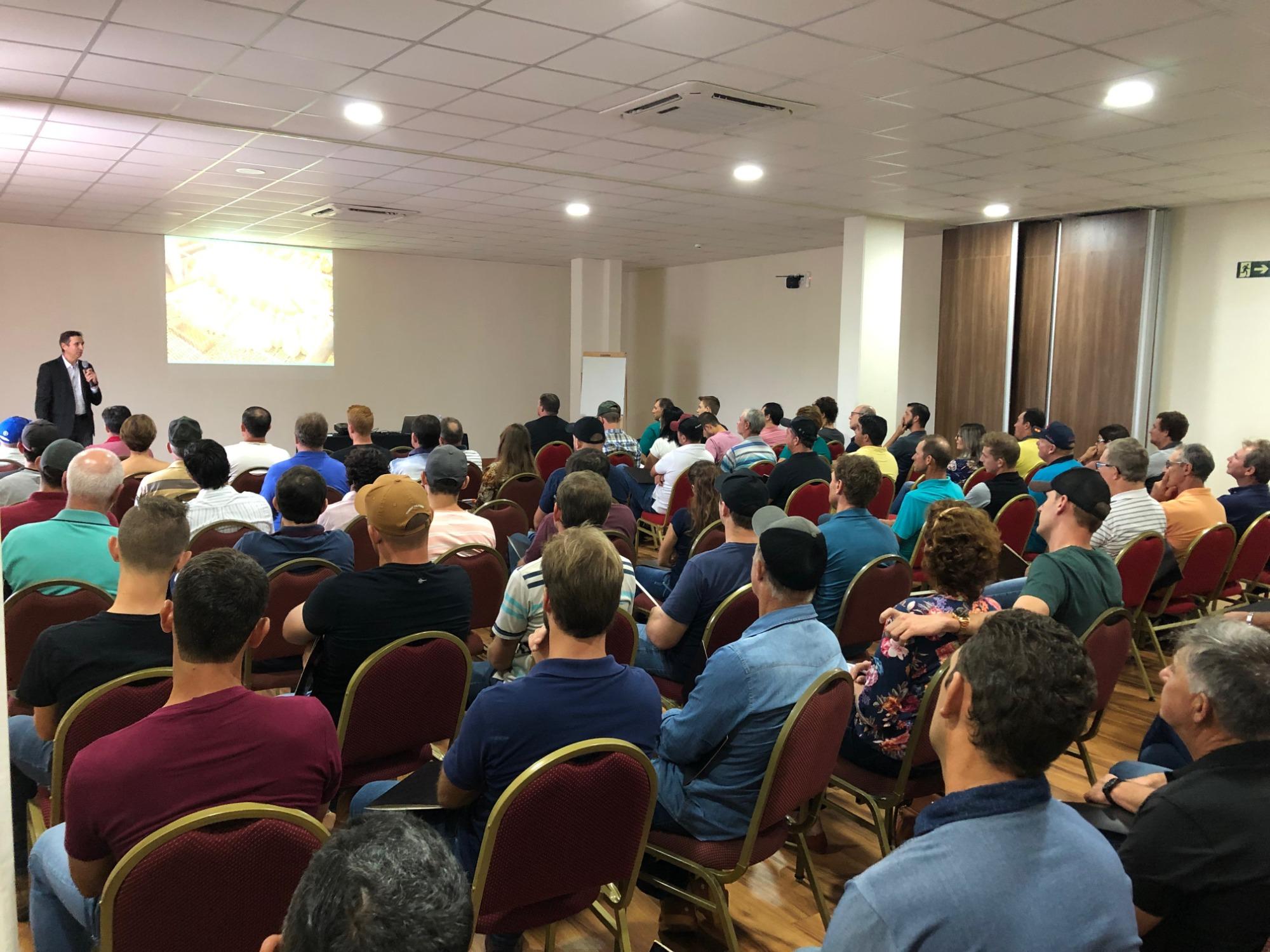Vetanco realiza palestras junto a parceiros no oeste do Paraná