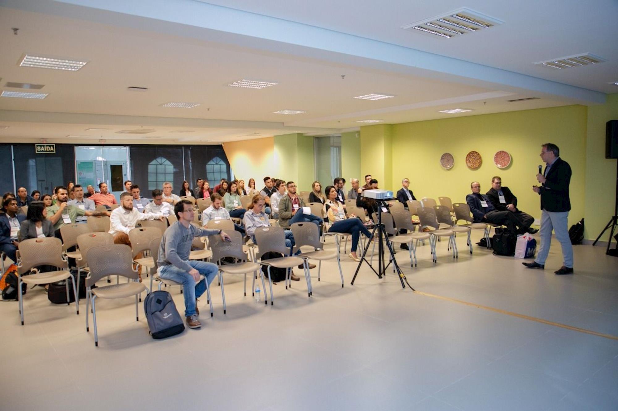 ÁLBUM DE FOTOS - Confira o primeiro dia da AveSui EuroTier , ÁLBUM DE FOTOS - Confira o primeiro dia da AveSui EuroTier