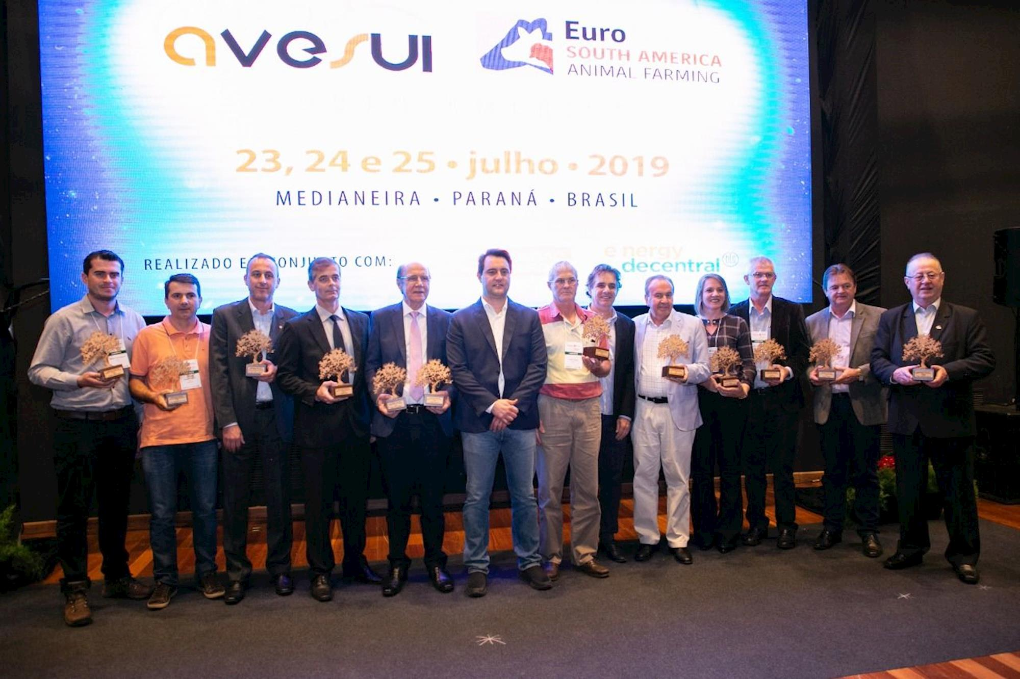 ÁLBUM DE FOTOS - Confira o primeiro dia da AveSui EuroTier