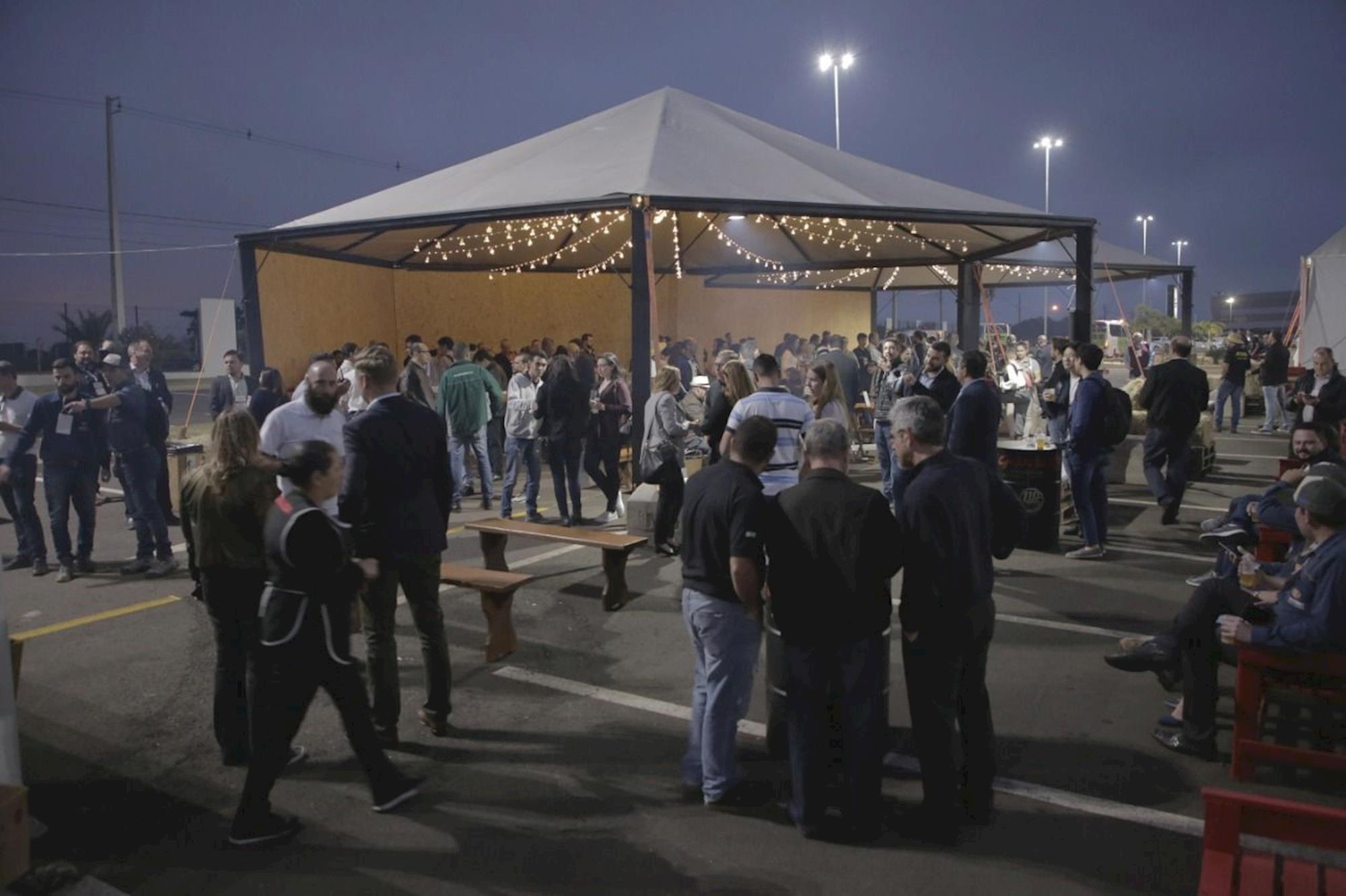 ÁLBUM DE FOTOS - Corredores cheios e festa dos 110 anos da Gessulli Agribusiness