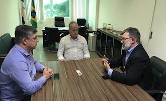 AVES e ASES se reúnem com presidente do IDAF