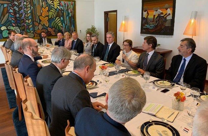 Ministra e embaixadores debatem Acordo Mercosul-UE e sustentabilidade da agricultura brasileira