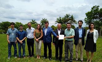 Sindirações participa do acordo para integração de dados do desempenho ambiental das cadeias de produção animal e agrícola