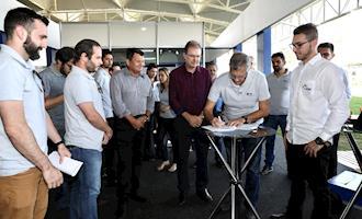 Copagril assina contrato para aplicação de tecnologia de monitoramento em aviários