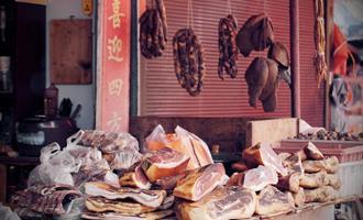 China reduzirá progressivamente as vendas de aves vivas nos mercados