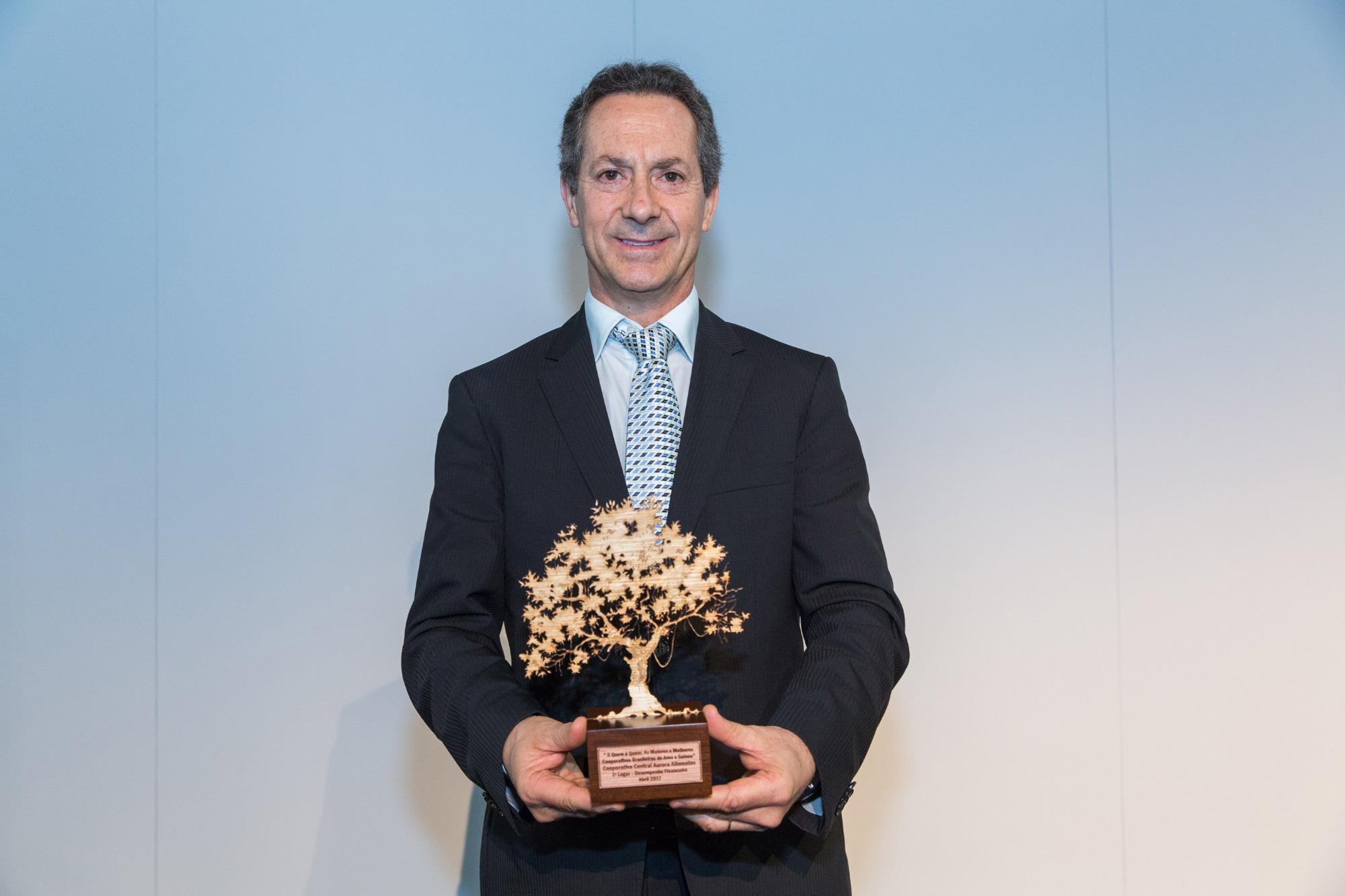 Aurora confirma Neivor Canton como presidente até 2022