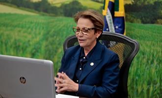 Ministra Tereza Cristina abre cerimônia do Prêmio Quem é Quem