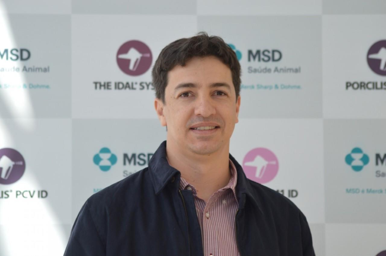 Vacinação sem agulha: Inovação tecnológica e os Impactos da Ileíte, com Robson Gomes e Erich Nascimento da MSD Saúde Animal