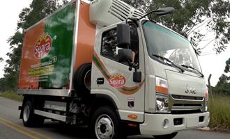Seara inicia transporte com caminhão 100% elétrico e sem emissão de carbono