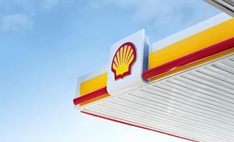 Petroleira Shell projeta mais investimentos em energia renovável para tornar-se neutra nas emissões de carbono